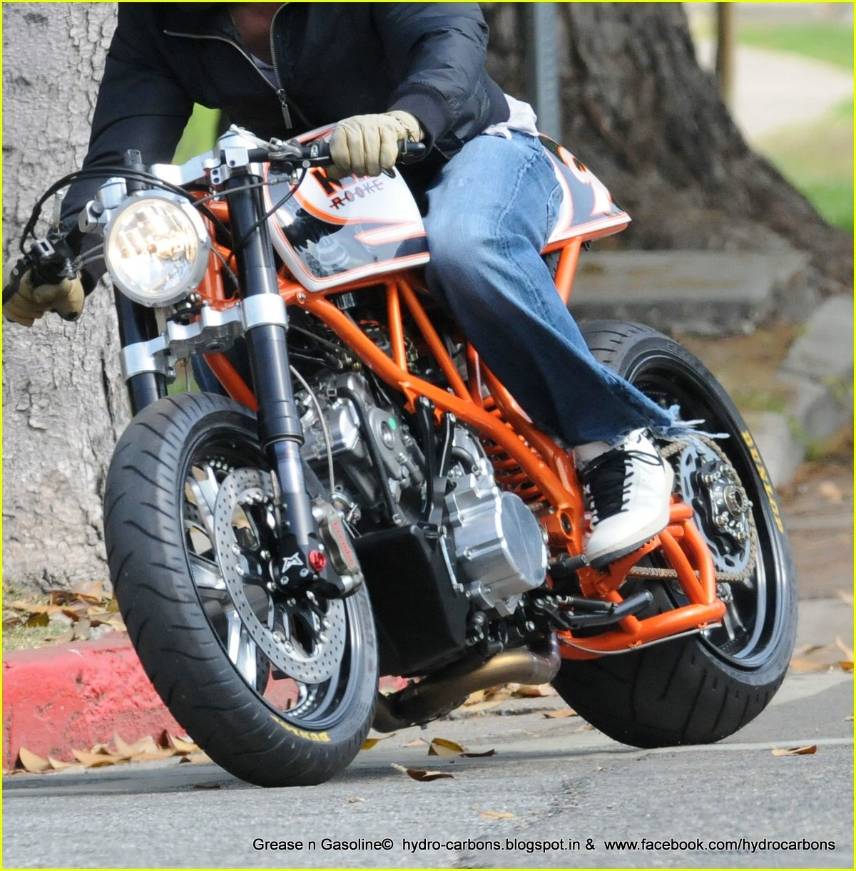 Pics photos brad pitt on motorcycle - Brad Pitt S Motorcycle Collection