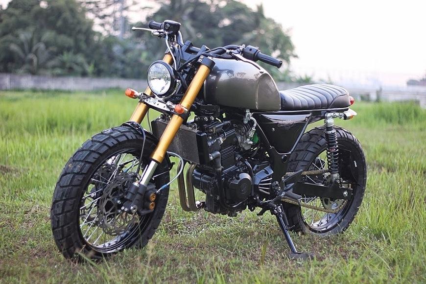 Custom Kawasaki Ninja 250R – Grease N Gasoline